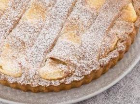 crostata con panna e cioccolato bianco