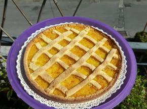 crostata con confettura alla arancia