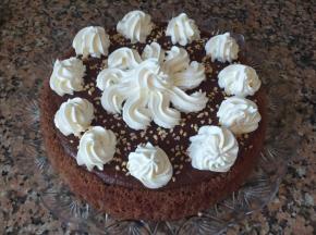 Torta con crema pasticcera al cioccolato
