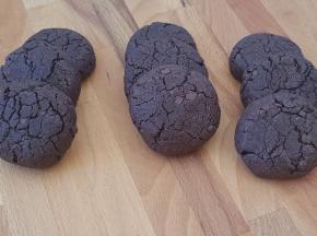 Cookies al cacao e cioccolato fondente