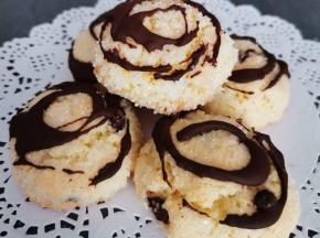 Biscotti morbidi cocco mandorla e gocce di cioccolato
