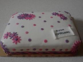 Torta di compleanno al limoncello con crema al mascarpone e gocce di cioccolato