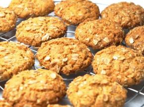 Biscotti con fiocchi d'avena e cocco