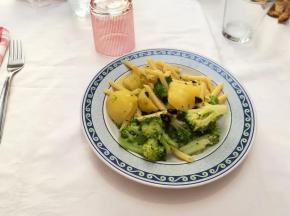 Pennette con i broccoli, patate e peperoncino