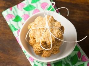 Biscotti con farina integrale e fiocchi d'avena