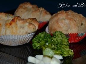 Pizza muffin con broccoletti e scamorza