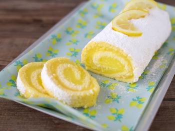 Rotolo con crema all'acqua al limone per la Festa della Donna