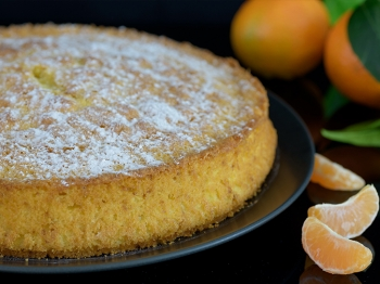 Torta margherita aromatizzata al mandarino