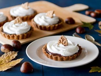 Crostatine di castagne con crema al cacao