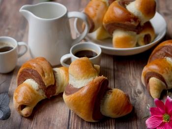 Croissant bicolor vaniglia e cacao