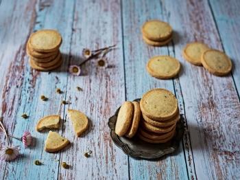 Biscotti camomilla e limone