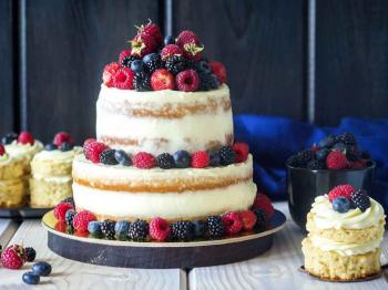 Naked cake: in estate anche le torte indossano coperture leggere