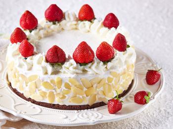 Torta gelato vaniglia e fragole