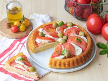 Torta caprese salata