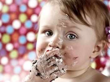 Smash cake: la ricetta perfetta per un party a prova di bambino