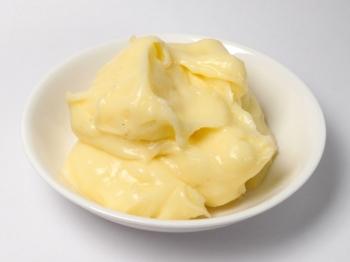 Crema pasticcera: ingredienti e procedimento per un facile e gustoso risultato