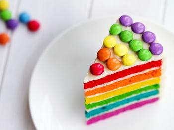 Torta Arlecchino: come portare gioia, colore e allegria in tavola a Carnevale