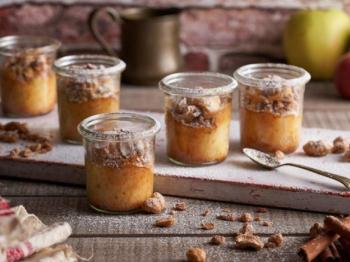 Tortini di mele e yogurt: un dolce al cucchiaio facile e veloce, leggero e gustoso