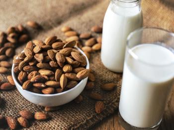 Latte di mandorla: 3 idee per realizzare gustose ricette salate con questo ingrediente