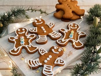 Biscotti di Natale da fare con i bambini: 4 idee semplici e veloci per creare la giusta atmosfera natalizia in casa