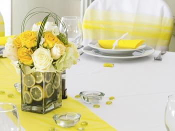 Festa della Donna: la cena con le amiche in giallo e rosa