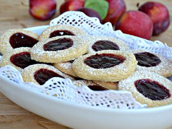 Biscottini con confettura di mele e prugne