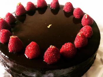 Torta glassata con fragole