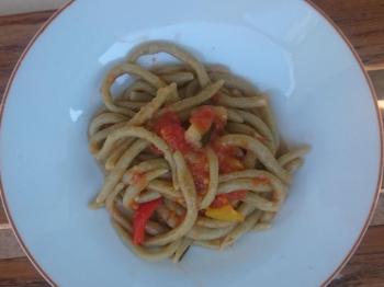 Pici al basilico con sugo di verdure