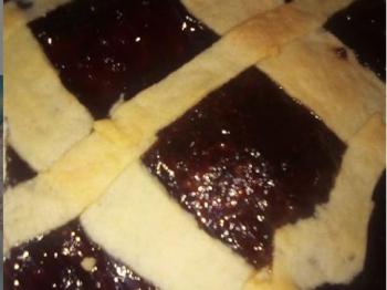 Crostata con marmellata di ciliegie