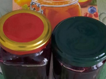 Marmellata di uva nera