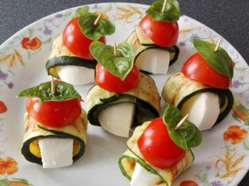 Involtini di zucchine alla caprese
