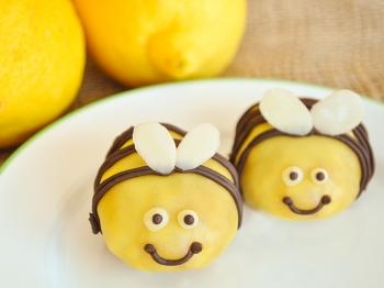 Bocconcini di torta a forma di ape