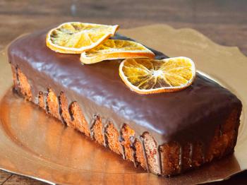 Plumcake all'arancia con glassa al cioccolato