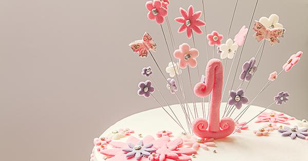 Torte sospese: il cake design sfida la gravità