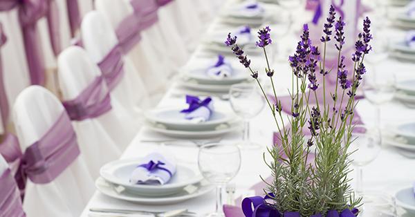 Decorazione della tavola: nuove tendenze per la wedding table