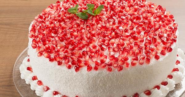 Speciale sweet table Capodanno: un buffet in bianco, rosa e oro