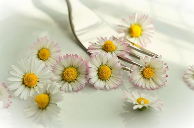 I fiori commestibili a cui non avete mai pensato