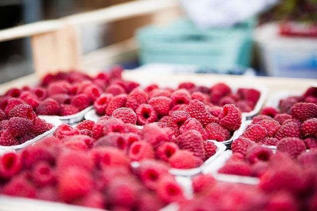 Usare la frutta nei dolci: ma come? Ecco 10 idee