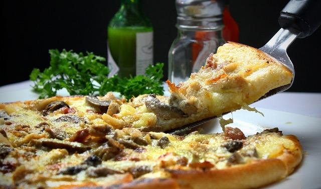 6 idee golose per farcire la pizza fatta in casa