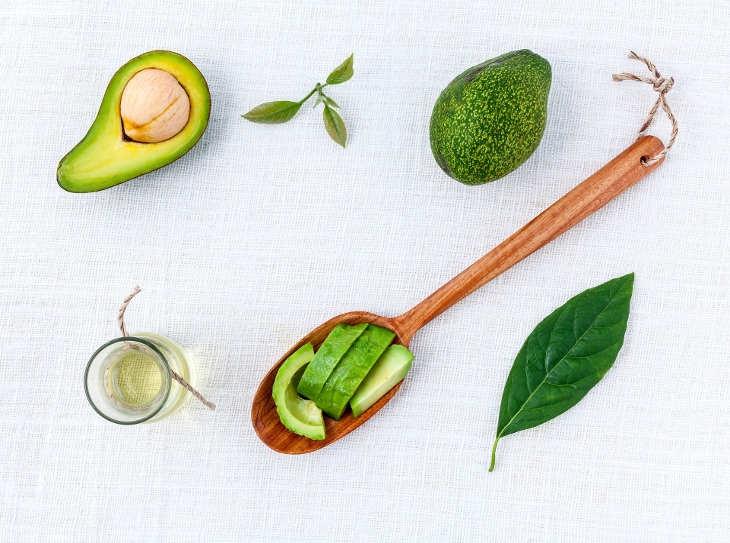 6 modi alternativi di usare l'avocado nei dolci