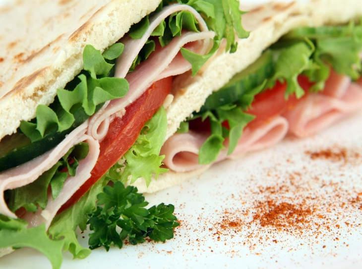 6 ricette gustose e divertenti per piadine salate e dolci