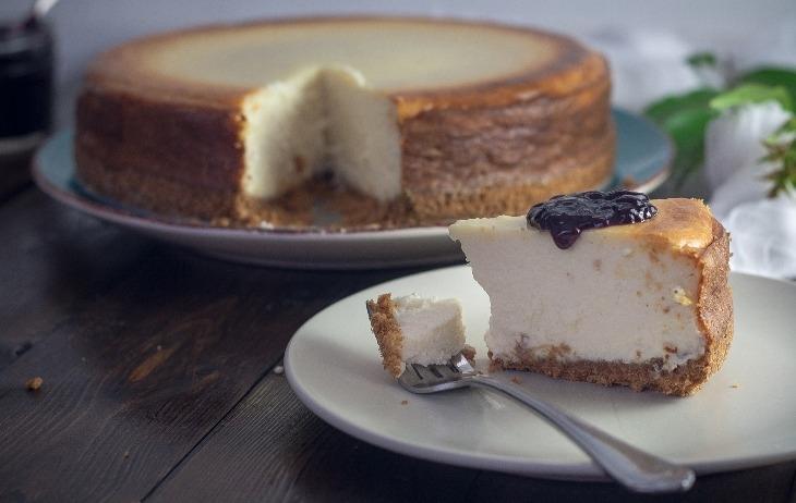 Consigli e segreti per creare una base della cheesecake croccante e perfetta