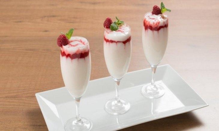 Sorbetto al limone: la ricetta con e senza la gelatiera per un dolce rinfrescante