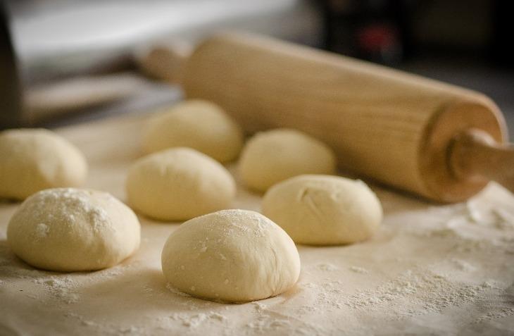 Pizza fatta in casa: le dosi giuste di farina e di lievito