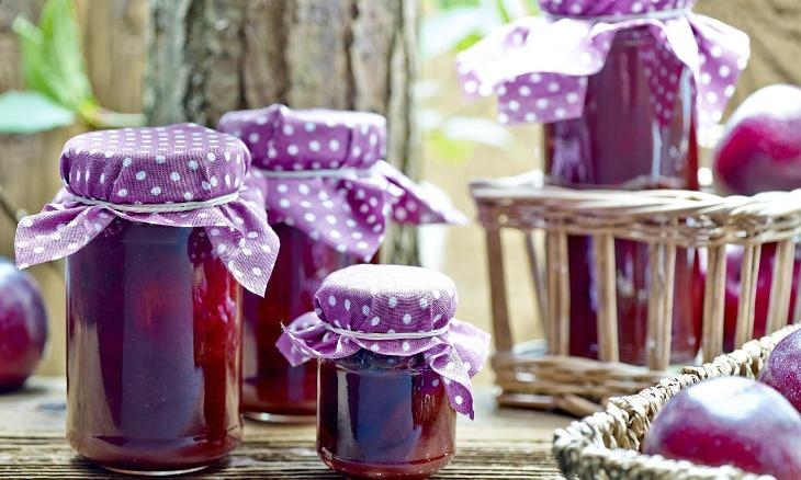 Confettura di prugne: come prepararla in casa in pochi minuti