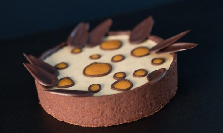 Crostata di cachi: tutti i segreti per preparare un dessert autunnale perfetto