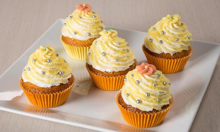 Cupcake mimosa: la ricetta dei simpatici muffin gialli per l'8 marzo