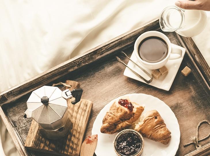 Decorazione della tavola: 3 modi per allestire una colazione perfetta
