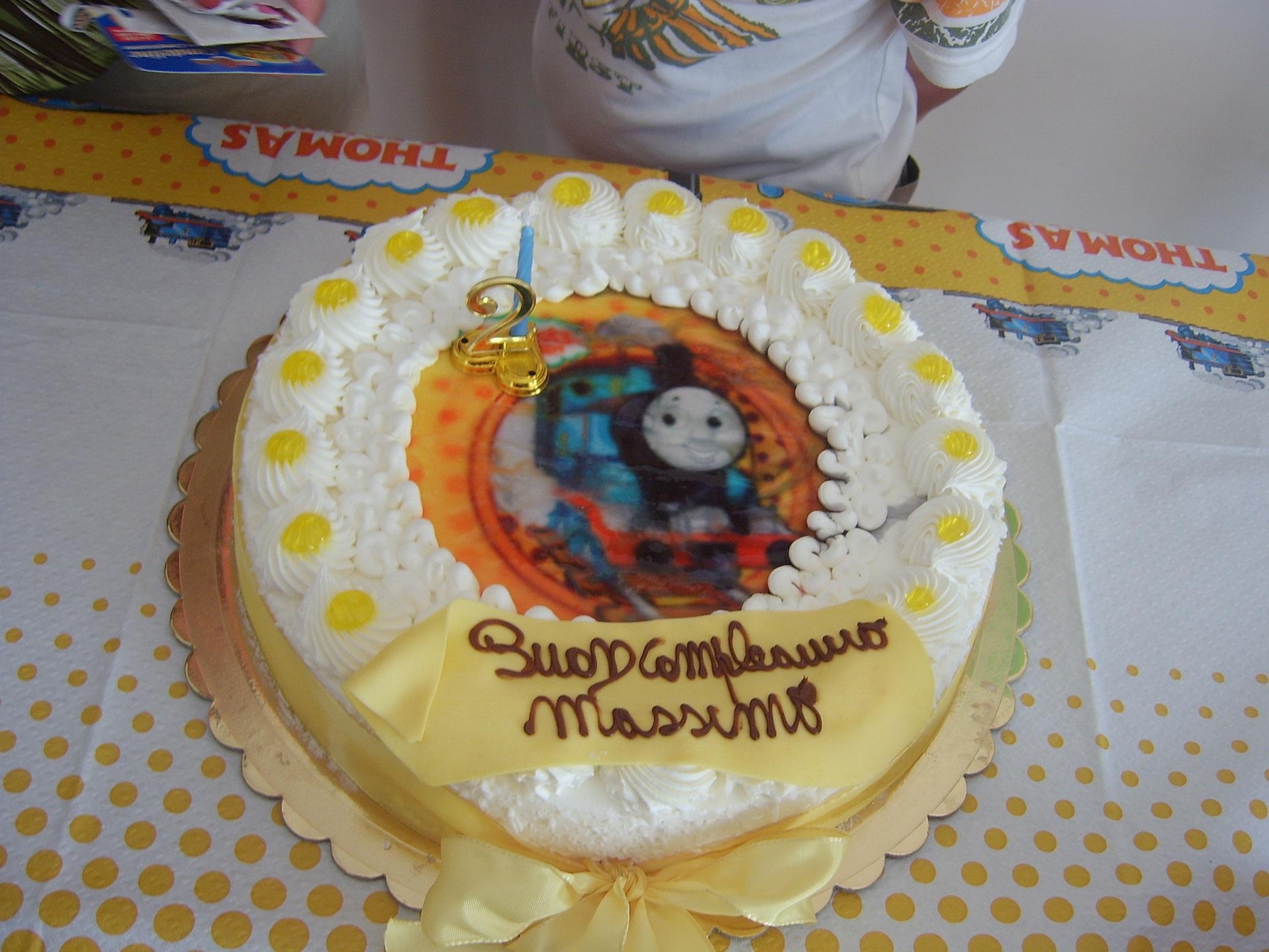 Ricetta torta trenino thomas dolcidee for Decorazioni torte trenino thomas