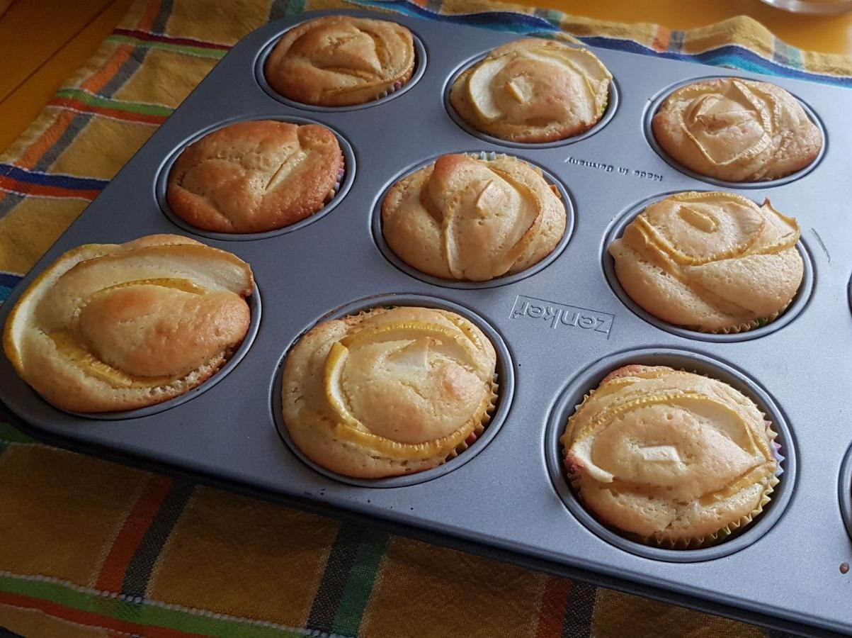 Ricetta Muffin Di Mele.Ricetta Muffin Rose Di Mele Dolcidee